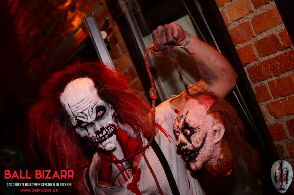 halloween-party-ball-bizarr-2015-16
