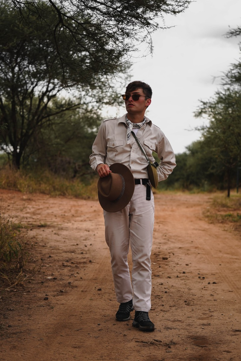 Safari Outfit in Beige